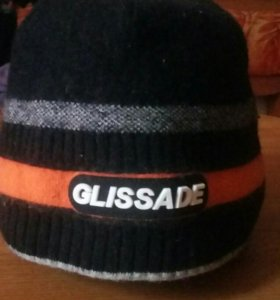 Спортивная зимняя шапка