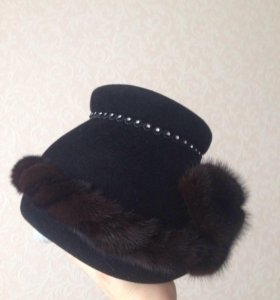 Фетровая шляпка с норковой отделкой