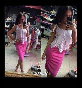 Красивое платье новое размер 44
