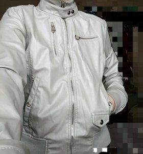 Срочно! Куртка почти новая
