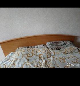 Продаю 2 спальную кровать.