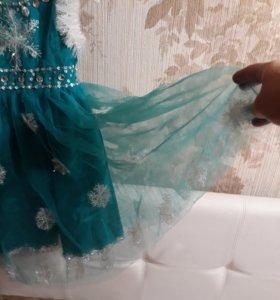 Платье нарядное на новый год...