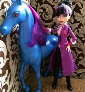 Директриса Бладгуд и её конь Кошмар (монстр хай)