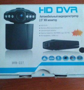 Видеорегистратор DVR-227+карта памяти