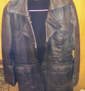 Плащ кожаный 48р производство Югославия