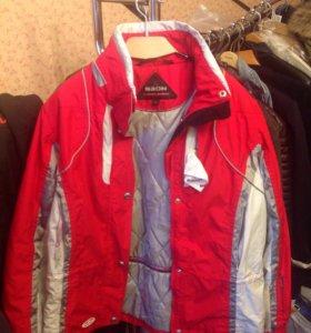 Горнолыжная куртка женская