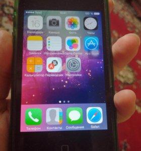 IPhone 4 на 32гб + чехлы, торг