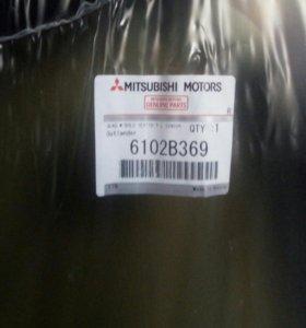 Лобовое стекло Mitsubishi outlander