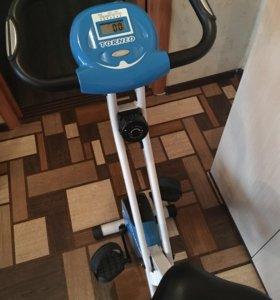 Велотренажер Torneo Compacta