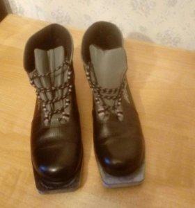 Ботинки лыжные 43