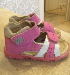 Босоножки сандали Reima
