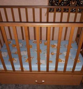 Кроватка-маятник детская