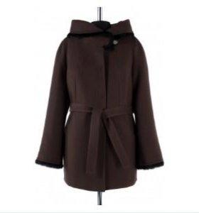 Пальто утепленное новое.