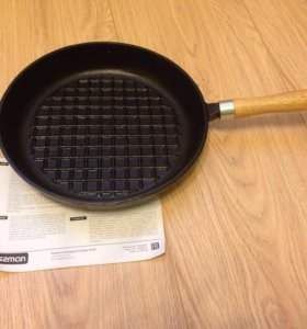 Сковорода-гриль чугунная