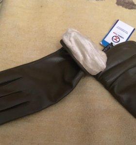 Новые перчатки кожаные цвет зеленый( болотный)