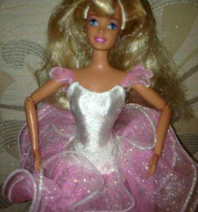 Барби из 90х шарнирная.