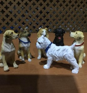 Коллекционные фигурки собак