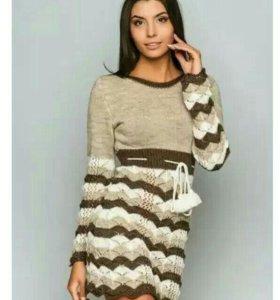 Шерстяное вязаное платье Molegi