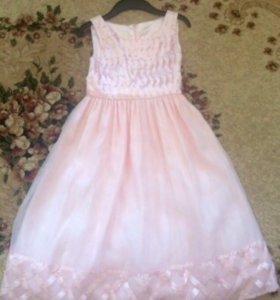Платье на девочку 7-9 лет.