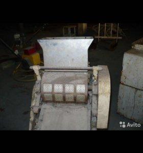 Аппарат для изготовления сахарного печенья