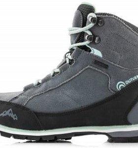 Новые ботинки Outventure