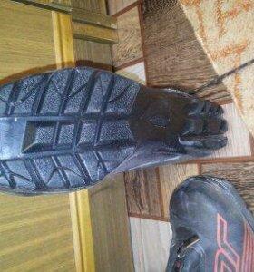 Ботинки лыжные утепленные новые