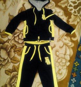 Спортивный костюм новый