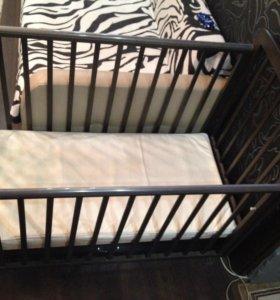 Кроватка с маятником Б/У