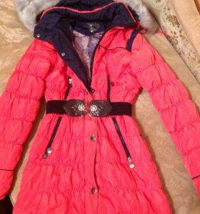 куртка почти новая одела один сезон