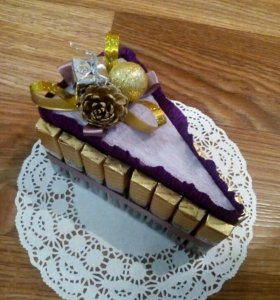 Новогодний тортик (торт из конфет)