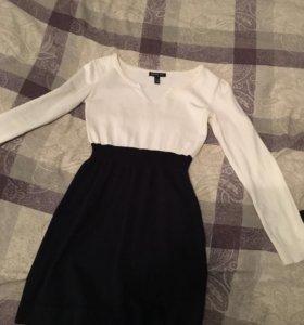Платье (размер s)