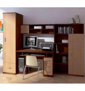 Детская стенка (стол компьютерный и шкафы)