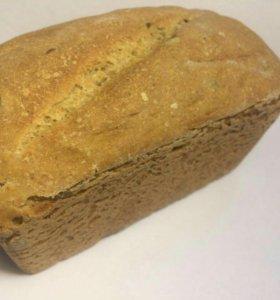 Здоровый хлеб на бездрожжевой закваске.