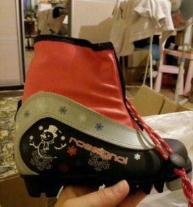 Лыжные ботиночки 30 размера под крепление NNN