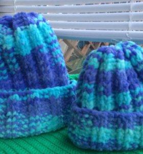 Комплект шапок Мама и Дочка ручной работы.