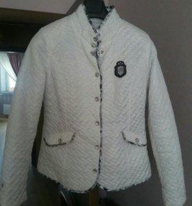 Продаю куртку в отличном состоянии