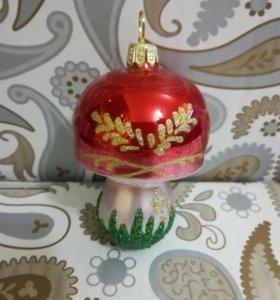 Елочная игрушка из стекла Гриб