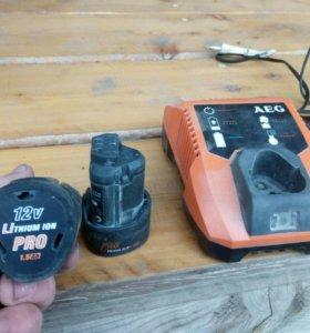 Аккамуляторы и зарядное устройство.