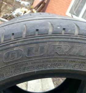 Шины Dunlop летние 195/50R15 2 шт