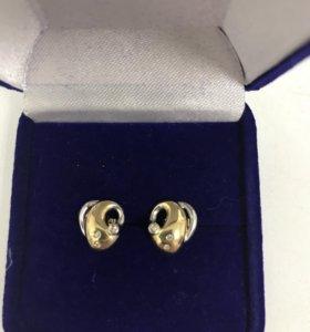 Пуссеты из золота 750 пробы, вставка бриллианты