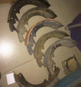 Тормозная колодка на ЗИЛ 5301 задняя (клепаная)