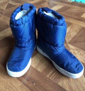 Зимние утеплённые сапоги adidas