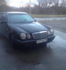 Mersedes-Benz E200