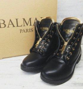 Новые зимние ботинки Balmain