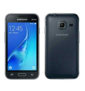 Samsung  j 1 .