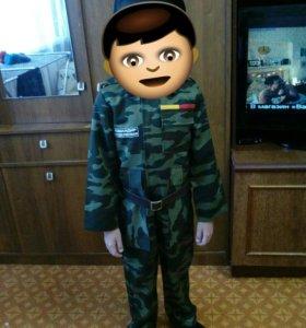 Новогодний костюм военный.