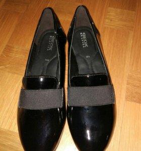 Новые туфли Geox 39р-р