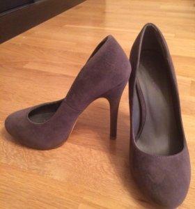 Новые серые замша туфли