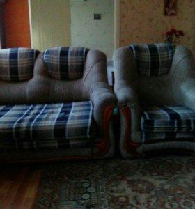 2 дивана и 1 кресло б/у