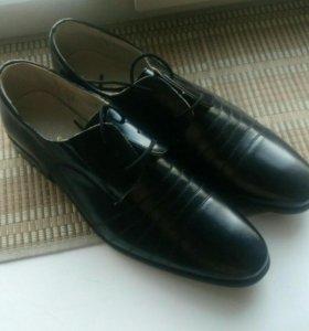 Новые туфли 45р